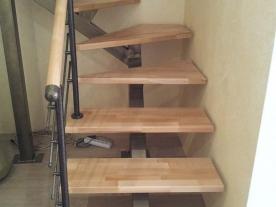 Нижний марш лестницы