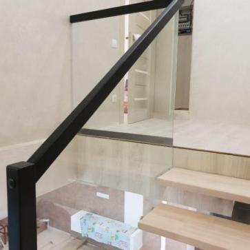 Ограждения лестницы стекло