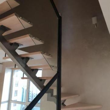 П образная лестница стекло