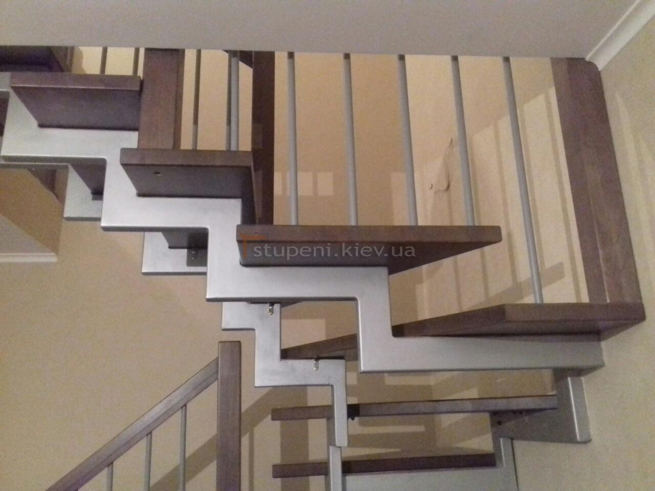 Расстояние между балясинами при строительстве лестниц