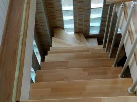 Лестница в доме пространство
