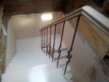 Обшивка лестницы с площадкой