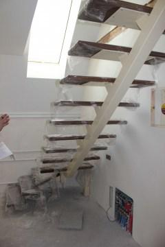 Монокосоурная металлическая лестница