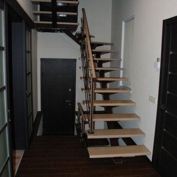 Коричневая лестница