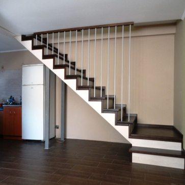 Деревянная лестница металл струны