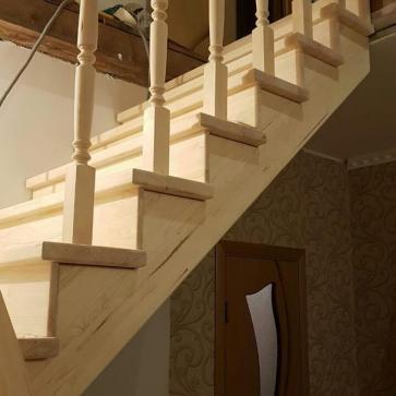 Лестница из массива дерева вид сбоку
