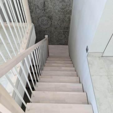 Деревянная лестница материал бук