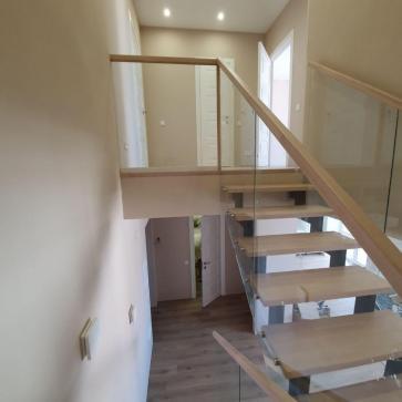 дерев'яні сходи зі склом фото 4