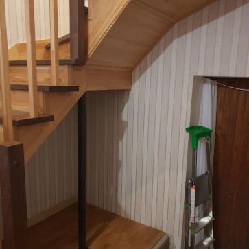 прихожая с лестницей дизайн