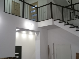 Лестница в зале