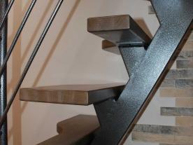 Открытая лестницы утиный шаг