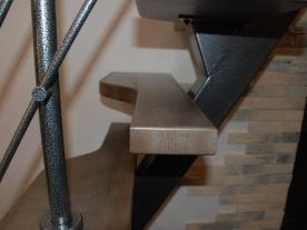 Лестница в маленьком холле