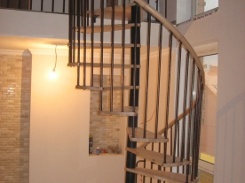 Винтова лестница бук