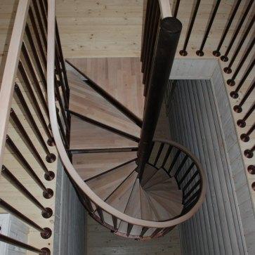 Винтовая лестница сверху