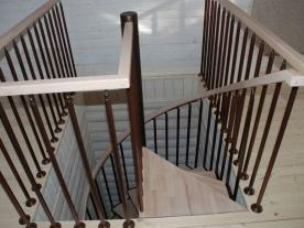 винтовая лестница бук
