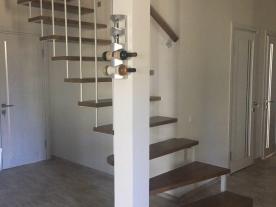 пространство под лестницей в доме