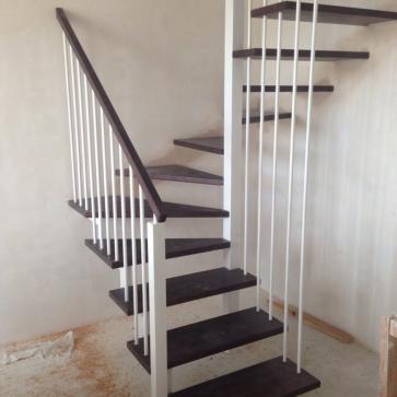 Лестница без каркаса