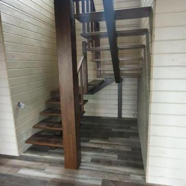 lestnica na mansardu s verandy foto2