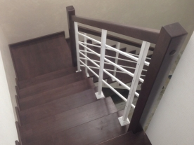 Ограждение лестницы дерево и металл