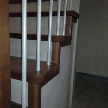 красивые перила на лестнице