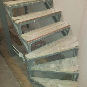 Лестница до обшивки