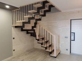 Лестница в квадратном проеме