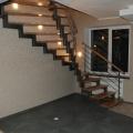 Веерная лестница на двух косоурах