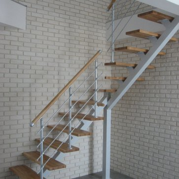 Центральный металлокаркас лестницы