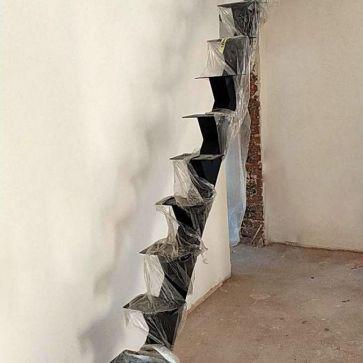 фотография с лестницей на одном косоуре