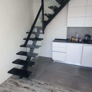 Лестница на одном косоуре с поворотом фото 2