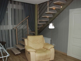 Сварная лестница на металлокаркасе
