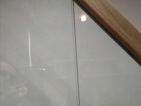 деревянный поручень стеклянные ограждения