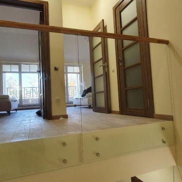 стеклянная лестница в доме фото