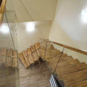 стеклянная лестница в доме фото 1