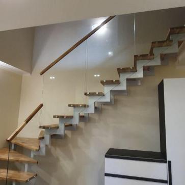 стеклянная лестница в доме фото 10