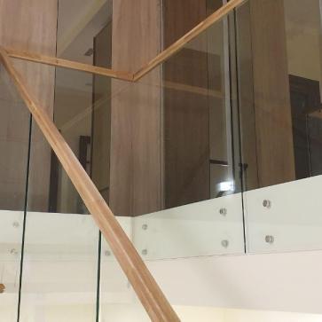 стеклянная лестница в доме фото 6