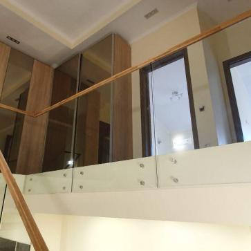 стеклянная лестница в доме фото 8