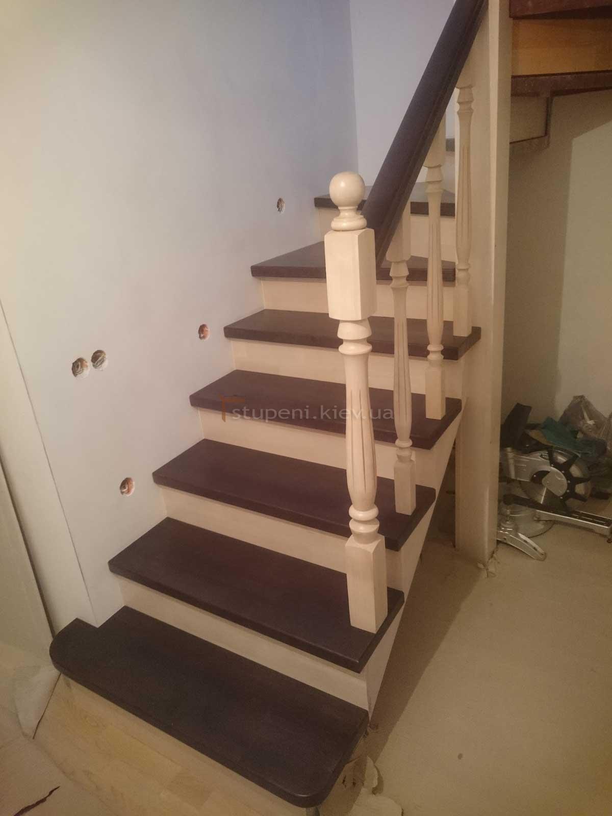 Купить деревянные столбы по недорогой цене