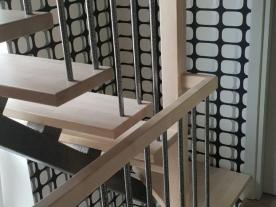 лестницы на второй этаж с поворотом