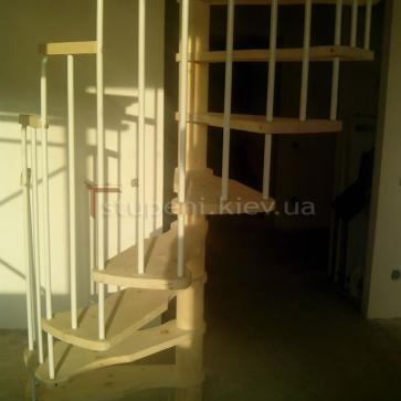 Нижняя часть винта винтовой лестницы