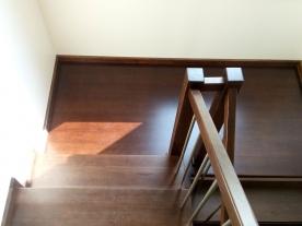 удобная лестница в частном доме