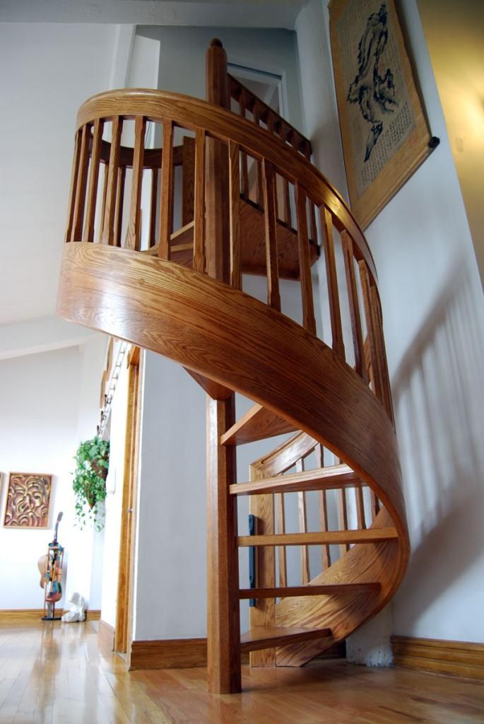 Полностью деревянная винтовая лестница
