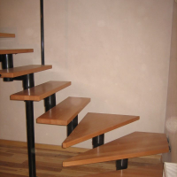 Модульная лестница с забежными ступенями цена