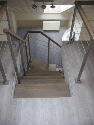 Сборная модульная лестница, ограждение с тросом