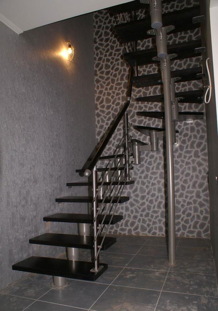 П-образная модульная лестница.