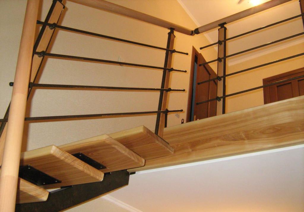 крепление лестницы на сварном каркасе
