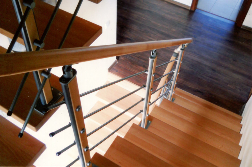 Модульная лестница с ограждениями