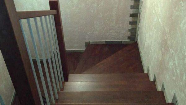Лестница под ключ на металлокаркасе