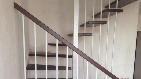Открытая лестница без каркаса