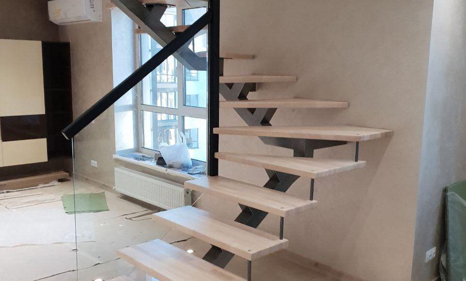 Лестница в большой гостинной